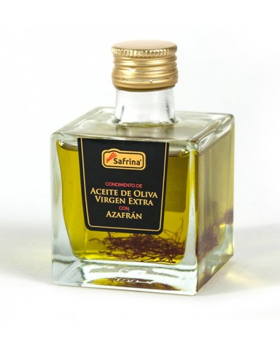 Extra virgin olive oil with saffron